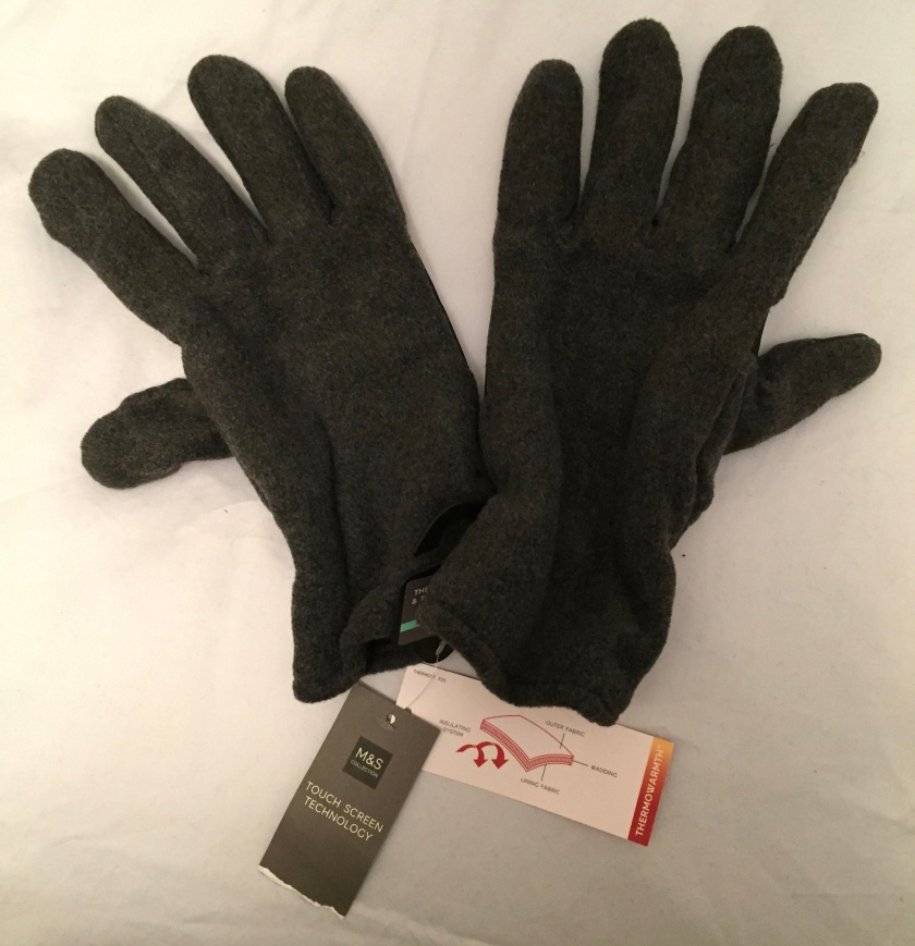 Thermal Gloves With Touchscreen Technology